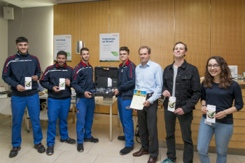 The energy efficiency day was organised by six trainees and Thomas Gulden, head of environment and work protection management at Schreiner Group (photo: Schreiner Group)