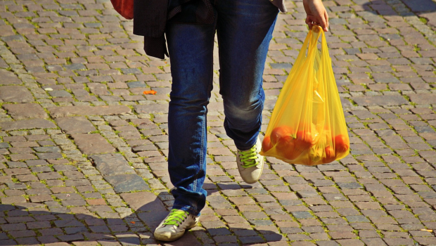 Bioplastics as an alternative to conventional plastic bags - BIOPLASTICS EUROPE is researching future-proof solutions in this context.
